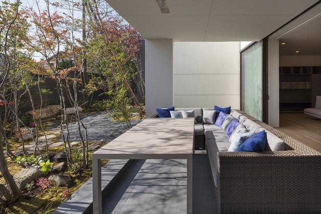 3 GardensHouse image1
