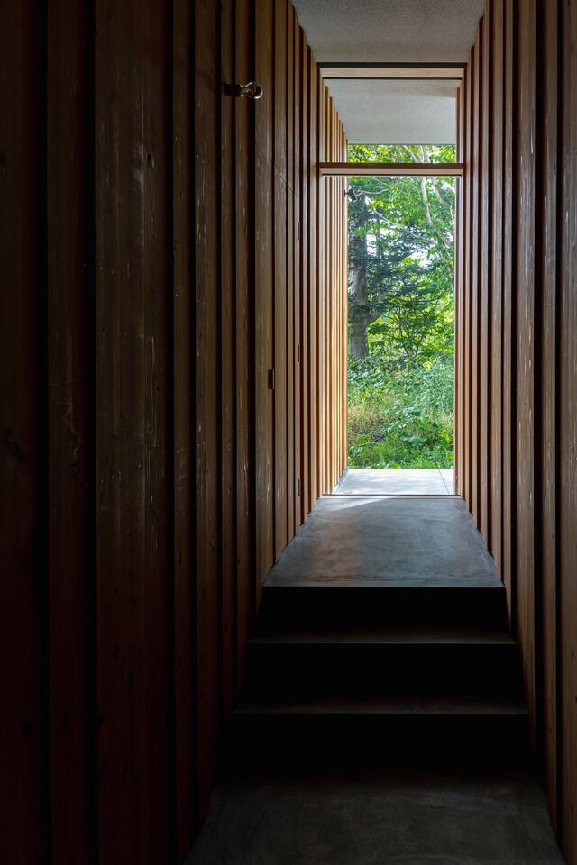 Niseko river house thumbnail2